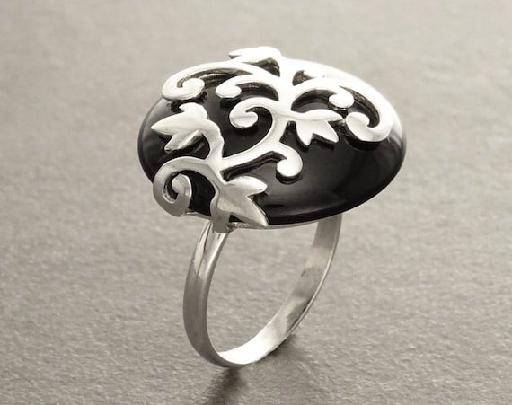 Black Onyx Ring - Flower filigree - Genuine Onyx - Art Nouveau Ring - Sterling Silver - shabby chic ring -Flower ring -  Boho ring