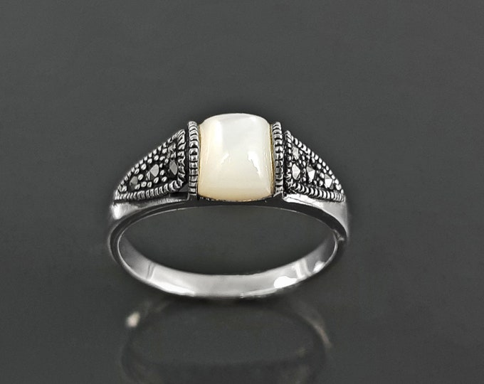 Vintage band ring, sterling silver ring with Genuine white domed Mother of pearl and marcasite stones, art-deco design style jewelry