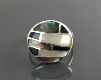 Round Mosaic Ring, Sterling Silver, White Mother of Pearl, Grey Paua Shell with Onyx Stone, Horizontal Stone, Geometric Ring, Woman Ring