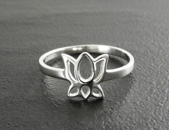 Lotus Ring, Sterling Silver, Dainty Lotus Ring, Lotus Zen Ring, Blooming Lotus Flower, Meditation ring, Namaste yoga jewelry, yoga Spiritual
