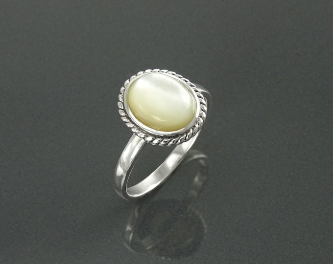 Round White Ring, Sterling Silver, GENUINE Mother of Pearl Shell, Rope Ring, Boho Hipster Ring, Stone Ring, Midi Ring, Antique Ring