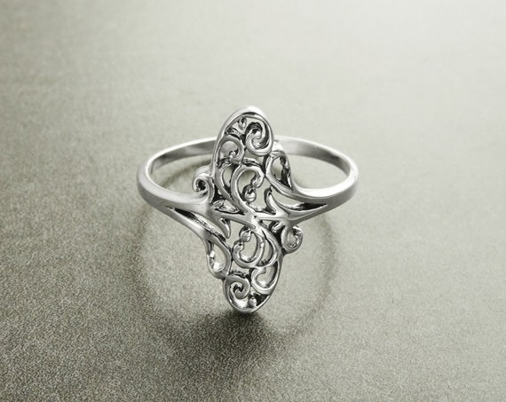 Oval Filigree Ring, Sterling Silver, Vintage Style, Intricate Lace, Small Oval Form, Victorian Ring, Dainty Filigree Ring, Popular ring,Gift