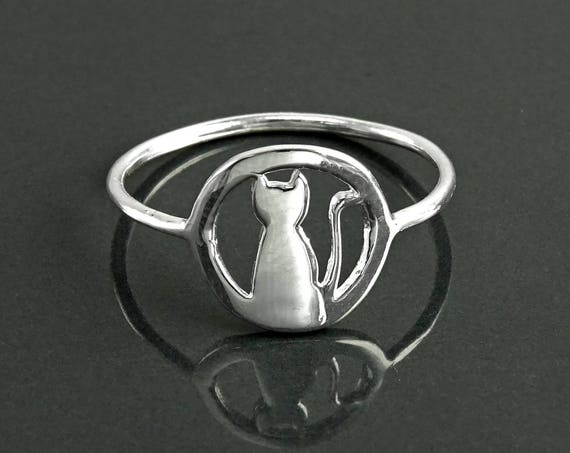 Cat Sitting by Moonlight Ring, Sterling Silver, Cat with Round Moon Ring, Kitty Ring, Feline Ring, Pet Jewelry, Pussy Cat Ring, Kitten Ring