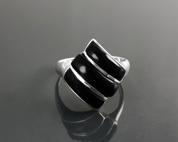 Onyx Modern Ring - Sterling Silver, Small Ring, Black Onyx Gemstone, Three Stones, Modern Ring, Diamond Shape Ring, Teens, Gift, XMas.