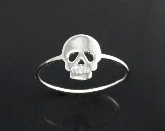 Skull Ring, Sterling Silver, Engraved flat Skull Head