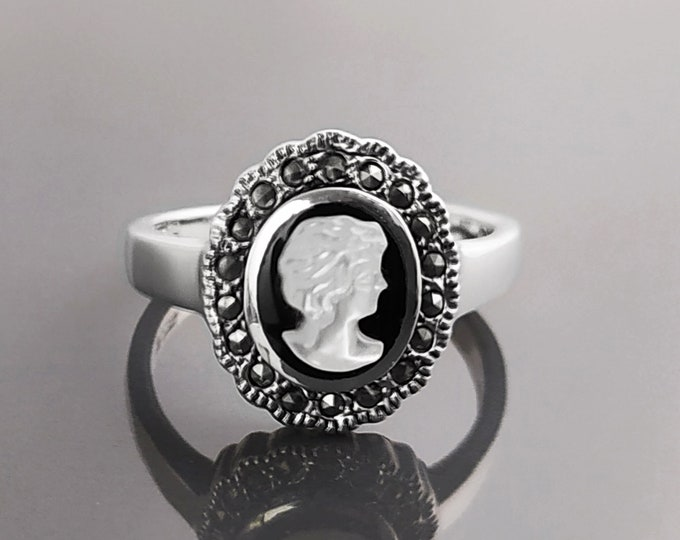Cameo Ring - Sterling Silver - size 7 US, Genuine Black Onyx and MOP Cameo - Natural Vintage Victorian Jewelry
