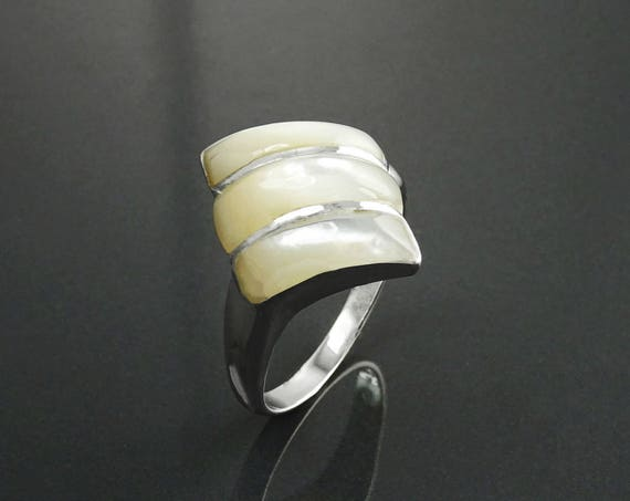 White, Mop Ring - Sterling Silver, Mother of Pearl, Shell, Three Stones, Modern Ring, Small Ring, Inlay Ring, Diamond Shape Ring, Gift.