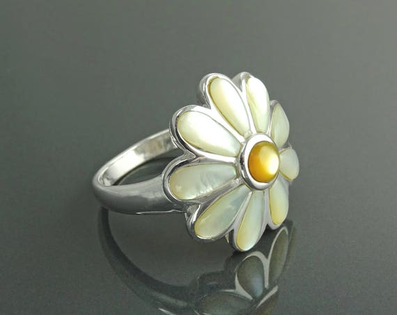 Daisy Flower Ring, Sterling Silver, GENUINE White Mother of Pearl Petals, Daisies Band Ring, Flower Ring, Blossom Floral Ring,Nature Jewelry