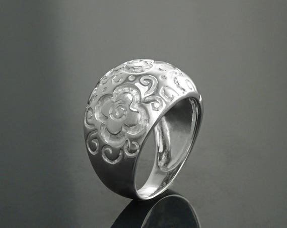 Boho Flower Ring - Sterling Silver 925 Ring with engraved Intricate Flowers Pattern - Flower Ring - Boho Ring - Gypsy Ring - Wide Ring