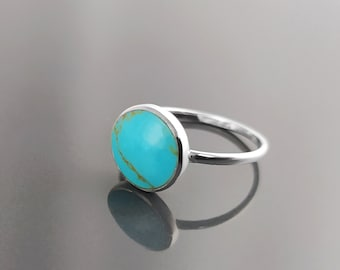 Blue Turquoise Ring, Silver 925, Small Round flat Stone, Geometric Simple Turquoise Jewelry, Dainty Modern Stacking Minimalist Ring