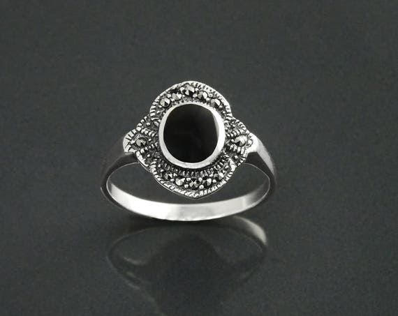Black Stone Ring, Sterling Silver ring with flat Oval Black Onyx and Marcasites Stones, Vintage Art-Deco Design Jewelry