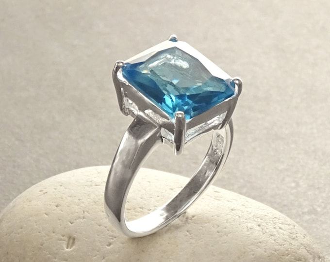 Rectangle Blue Ring, Sterling Silver, Modern Geometric Design, Lab Topaze Simulants (CZ) Stones, Blue Stone Ring, Comfortable Daily Ring