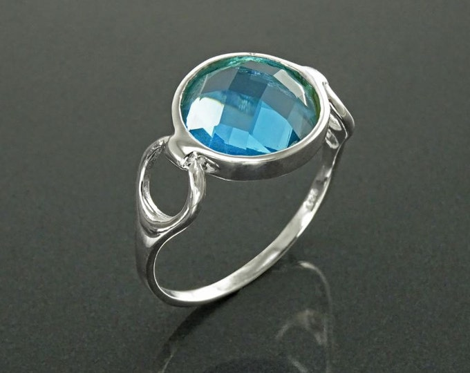 Blue Round Ring, Sterling Silver, Blue Aquamarine Color Stone (CZ), Faceted Round Cushion, Modern Ring, Unusual Original Setting,