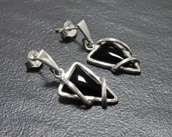 Small, Onyx, Silver, Earrings, Triangle, 925, Sterling Silver, Black, Modern Style, Unique, Filigree, Trending, Jewelry, Fashion, Unique.