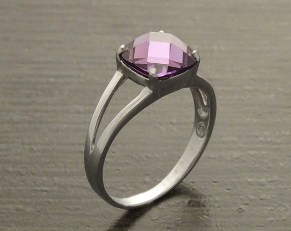 Purple Solitaire Ring, Sterling Silver, 2.5ct Lab Amethyst Ring simulant Stone (CZ), Square Stone Ring, Modern Jewelry gift for woman