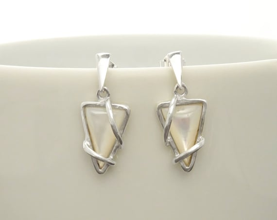 Small, MOP, Silver, Earrings, Triangle, 925, Sterling Silver, White, Shell, Modern Style, Unique, Filigree, Trending, Boho earrings,