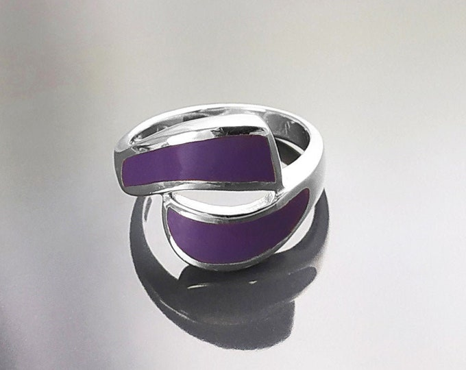 Purple Ring, Sterling Silver, Cross Ring, Purple Wave Ring, Violet Dyed Stone, Bypass Modern Designed Jewelry, Graphic Design Gift