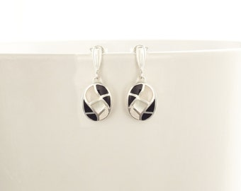 Black Oval Earrings, Sterling Silver, Black and White Bicolor Onyx Stone Mother of Pearl Shell, Modern Geometric Waves Checkered Jewelry