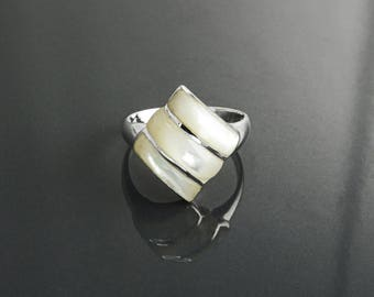 Square Ring - Sterling Silver, White Mother of Pearl Shell, Modern Three Stones Ring, Small Ring, Inlay Ring, Square Stone Ring