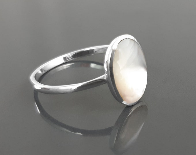 Flat Oval Ring, Sterling Silver Genuine Mother of Pearl Gemstone with Rainbow reflection, Small Everyday jewelry, Modern Minimalist Style