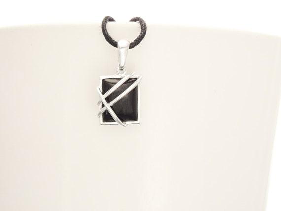 Onyx Silver Pendant - Square shape Stone - Sterling Silver Pendant - Onyx Gemstone - Modern Style - Filigree Pendant - Black Stone Pendant.