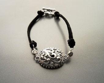 Hipster Bracelet, Sterling Silver, Filigree, Victorian jewelry, Black Leather, Romantic, Small Bracelet, Delicate, Vintage, Elegant Bracelet