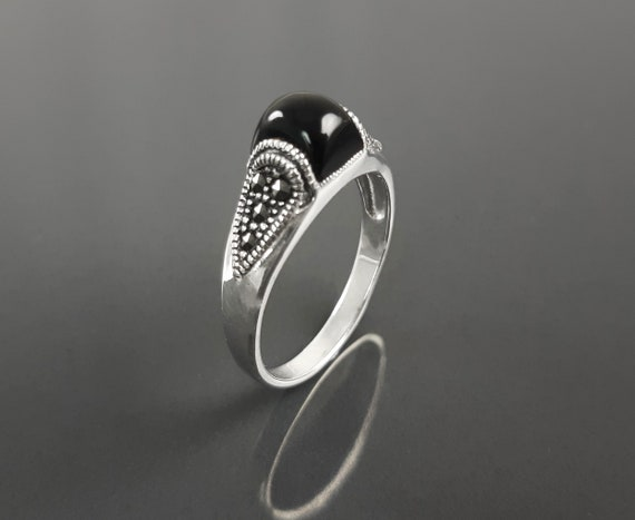 Vintage band ring, sterling silver ring with black domed onyx stone and marcasite stones, art-deco design style jewelry
