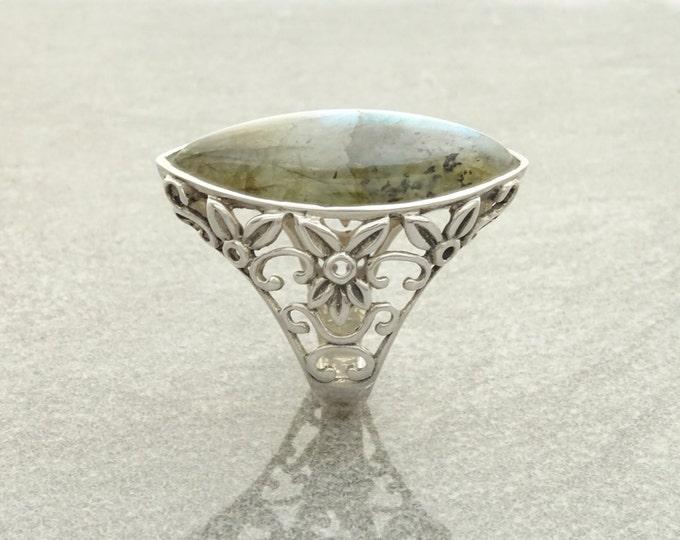 Labradorite Filigree Ring - Sterling Silver Ring - Green Labradorite ring - Filigree Ring - Boho chic ring - Unique Ring - Statement Ring