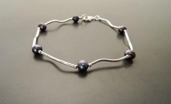 Blue Pearl, Sterling Silver 925, Minimalist Bracelet - Beaded Bracelet. Modern Jewelry. Mayorca Pearl. Minimalist Jewelry, Small Bracelet.