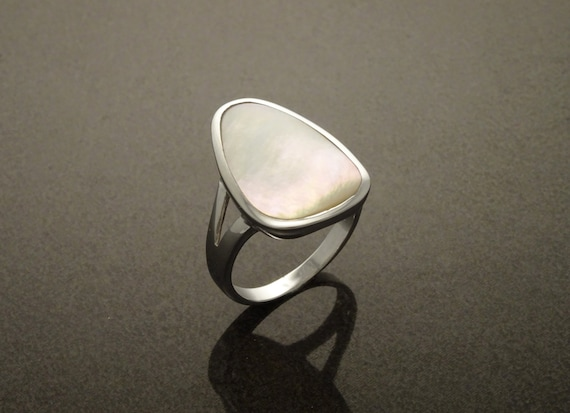 White MOP Ring - Sterling Silver 925 - Mother of Pearl - Tribal Ring - Hipster Ring - MOP Ring - Small Ring - Boho jewelry - White Ring.