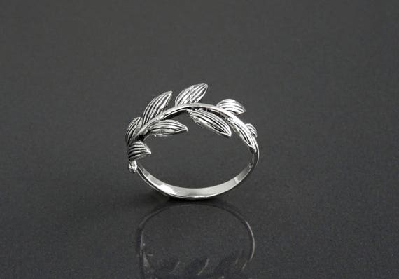 Laurel Leaf Ring, Sterling Silver, Laurel Branch Ring, Leaves Veins Ring, Nature Jewelry, Plant Ring, Graduation Laurel Wreath, Prize Award