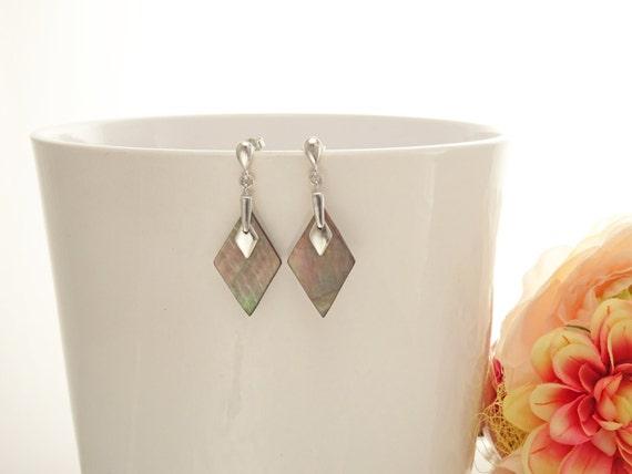 Shell Dangle Earrings - Sterling Silver Earrings - Gray Shell Earrings - Diamond Shape - Gray Pearl Earrings - Modern Earrings - MOP