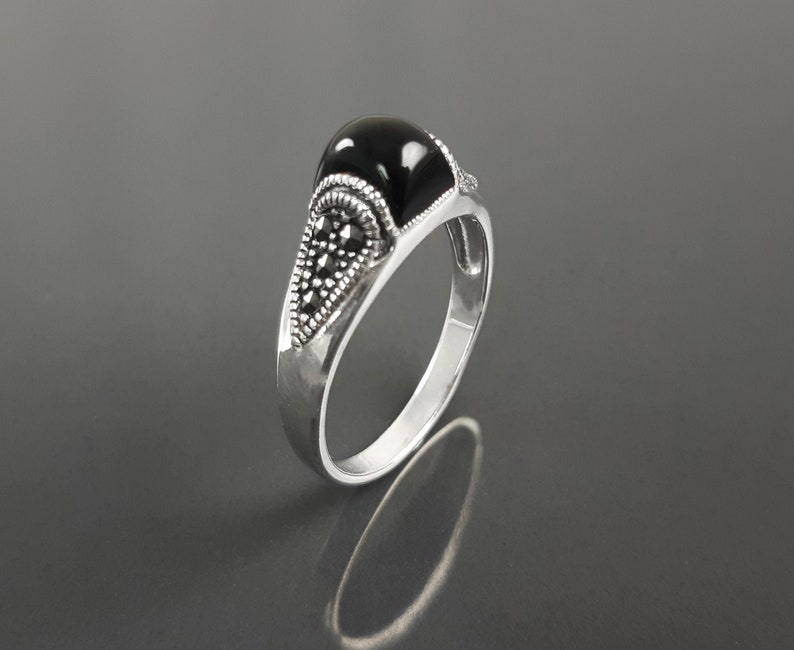 Vintage band ring sterling silver ring with black domed onyx image 0