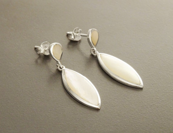 White MOP Dangle Earrings - Sterling Silver Earrings, Almond Shape, Bright MOP Earrings, Dainty Earrings, Silver Jewelry, Mother of Pearl.