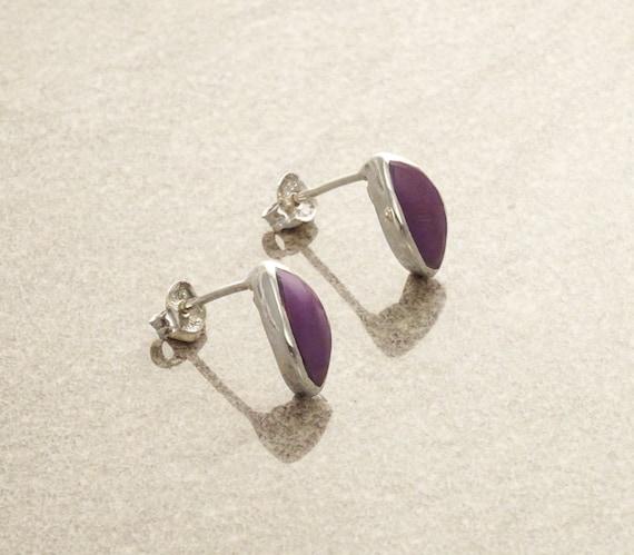 Purple Stud Earrings, Sterling Silver Earrings, Violet synthetic stone, Almond Shape, Minimalist Earrings, Amethyst Color, Dainty Earrings