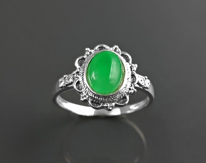 Genuine Jade ring, sterling silver, boho ring, Natural green jade ring, dainty stone ring, midi oval ring, vintage antique ring