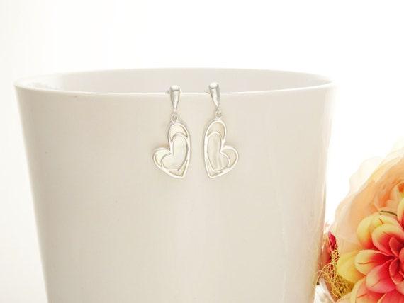 White MOP Heart Earrings - 925 Sterling Silver Earrings - Love Earrings - MOP Earrings - Filigree - Valentin Earrings - Romantic jewelry.