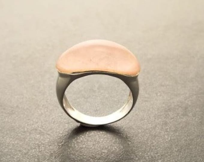 Natural Rose Quartz Ring - Sterling Silver Ring -Oval Dome Ring - Pink Quartz Stone Ring - Horizontal Band Ring - Everyday Ring