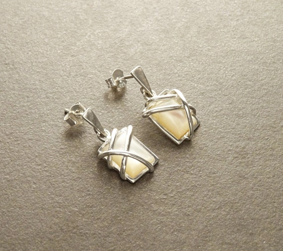 MOP Silver Earrings - Square shape - 925 Sterling Silver Earrings - White Shell - Modern Style - Filigree Earrings - Trending - Boho earring
