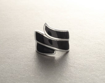 Black Cuff Ring, Sterling Silver, Curved Black Stone Infinity Ring, Infinity Design, Black  Cylinder ring, Wide Infinity Wave Jewelry,