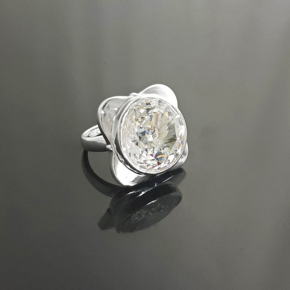 Four-Leaf Clover Ring with Zirconias, Sterling Silver Ring, Designer Four-Leaf Clover, set with a Majestic White, Cubic Zirconia, Gemstone