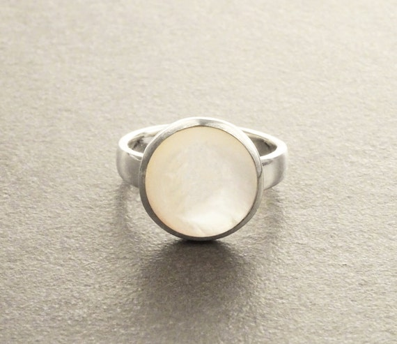 MOP Band Ring Modern Ring Mother of Pearl Gemstone Ring shabby chic ring Dome Ring Boho Ring. Sterling Silver Ring