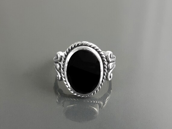 Hipster Onyx Ring, Sterling Silver, GENUINE Onyx Gemstone Jewelry, Boho Unisex Ring, Flat Oval Black Stone Ring,Intricate Antique Rope Shank