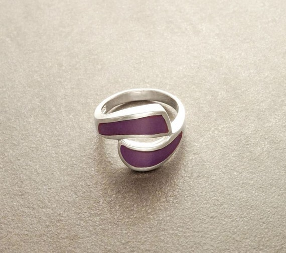 Dainty Ring, Fashion Ring, Purple Wave Ring - Purple, Synthetic Stone, Inlay, Sterling Silver, 925 Ring - Inlaid Stone -  Small Ring.