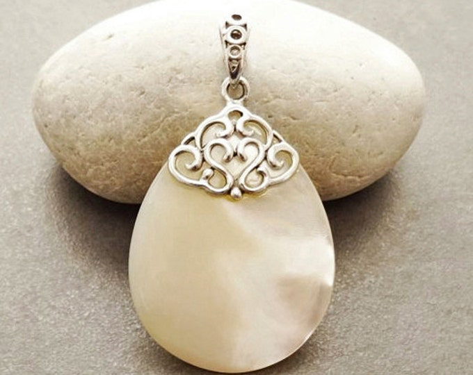 Antique White Pendant, Sterling Silver, Oval Stone Pendant for Necklace, Teardrop White Mother of Pearl Shell, Vintage Necklace with Pendant