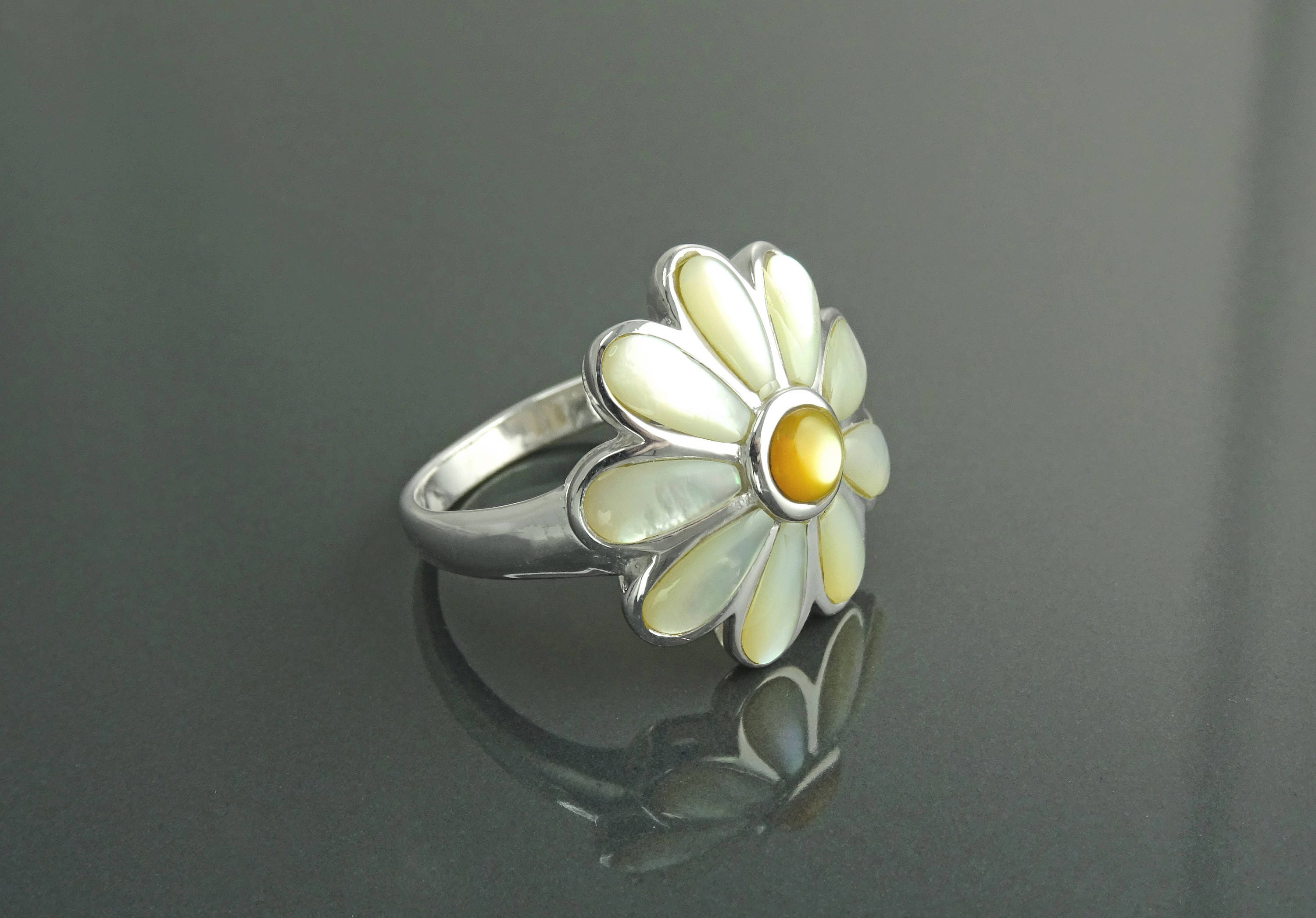 Daisy flower ring sterling silver genuine white mother of pearl daisy flower ring sterling silver genuine white mother of pearl petals daisies band ring flower ring blossom floral ringnature jewelry izmirmasajfo