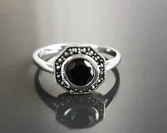 Black Stone Ring, sterling silver, Vintage octagonal Ring, marcasite stone jewelry, black stone (Cz), dark retro design ring, dainty Gothic