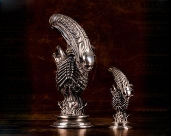 Mini Bronze Silver Alien Snail Statue Collectible Model Toy Figurine Decor Gifts