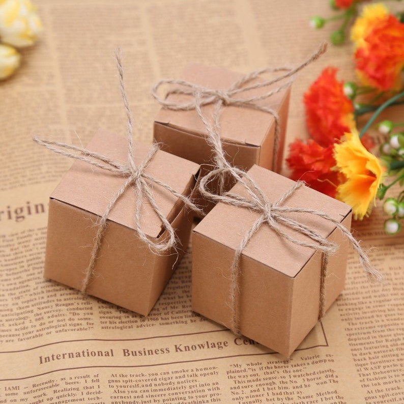 100x Kraft Wedding Favour Boxes Wedding Gift Boxes Birthday Party Christening Gift Boxes Candy Chocolate Macaroon Cookie Sweets Boxes