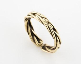 Gold toe ring. adjustable toe ring. toe jewelry. summer accessory. beach jewelry. beach toe ring. simple ring. boho toe ring.